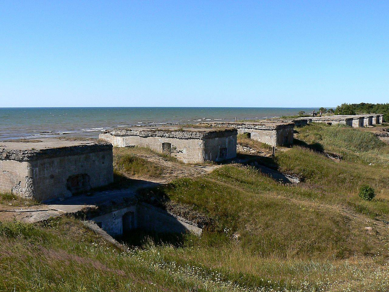 1280px-Liepaja_fortress_(battery_1)_(2)